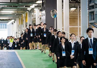 イベント会社のニューズベース|約2,700名の新入社員が参加した入社式