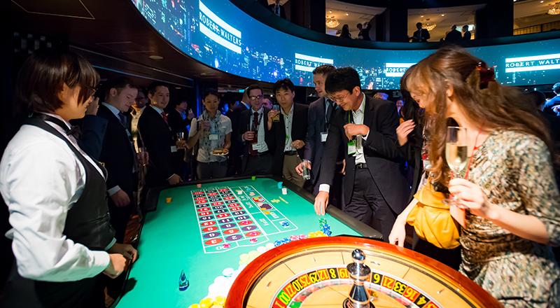 イベント会社のニューズベース|会場にはディラーもお呼びして本格的なカジノを体験して頂きました。