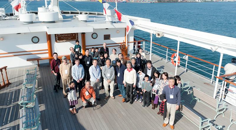 イベント会社のニューズベース|参加する社員、ご家族に楽しんでいただけるように船上パーティーを行いました。